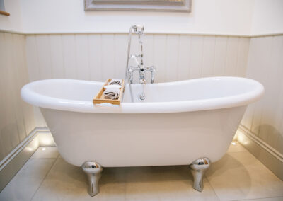 bathtub in The Cottage