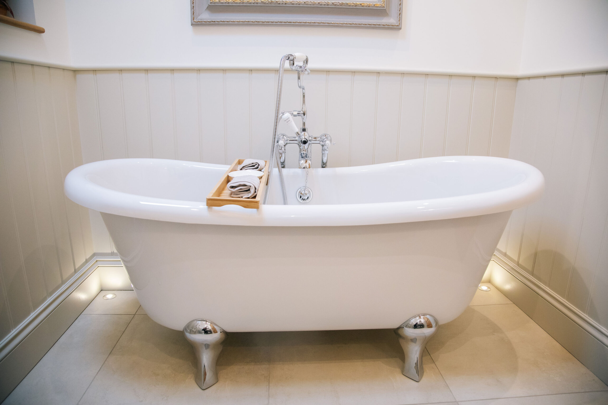relax in the bath at the Cottage